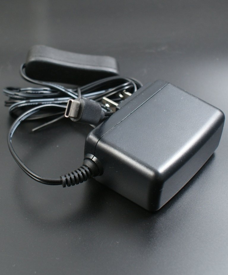 Raspberry Pi 5.1V/3A USB-C 電源轉換器 (帶開關,Pi 4適用)-preview-1